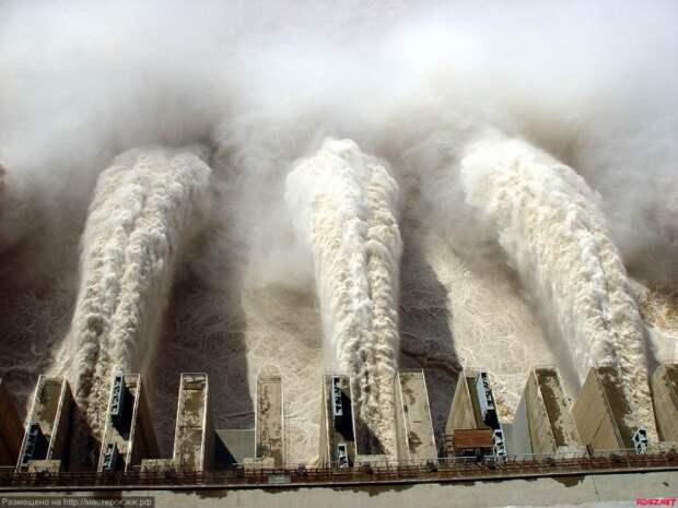 Плотина замедлила вращение Земли. | Фото: LiveJournal.