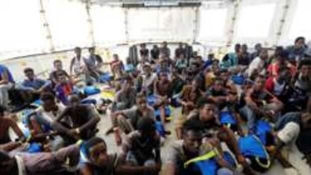 Испанское правительство отказалось принять новую группу беженцев, спасенных на море