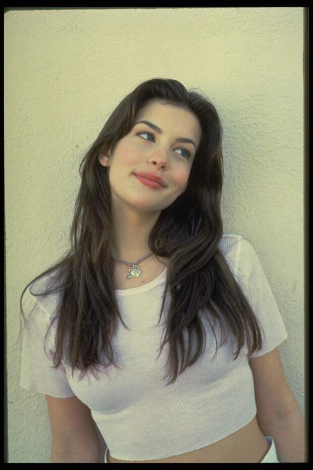 Лив Тайлер (Liv Tyler) в фотосессии Микеля Робертса (Mikel Roberts) (1997), фото 16