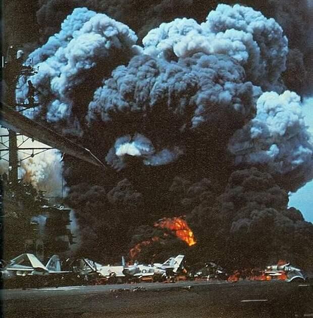 USS Forrestal fire 1 1967