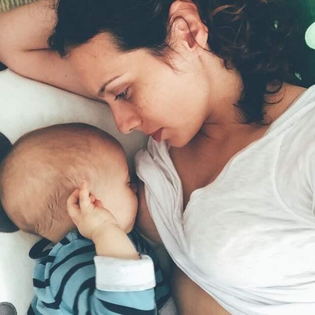 Новый тренд Брелфи: кормящие мамы в инстаграме
