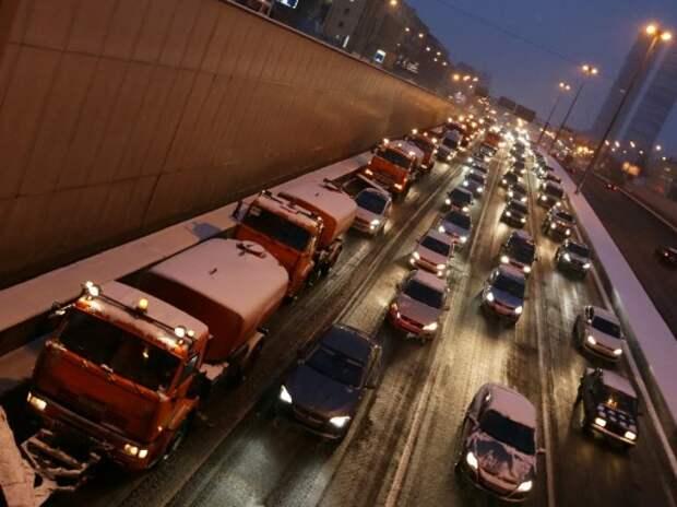 Эксперты поддержали предложение сузить полосы на магистралях Москвы