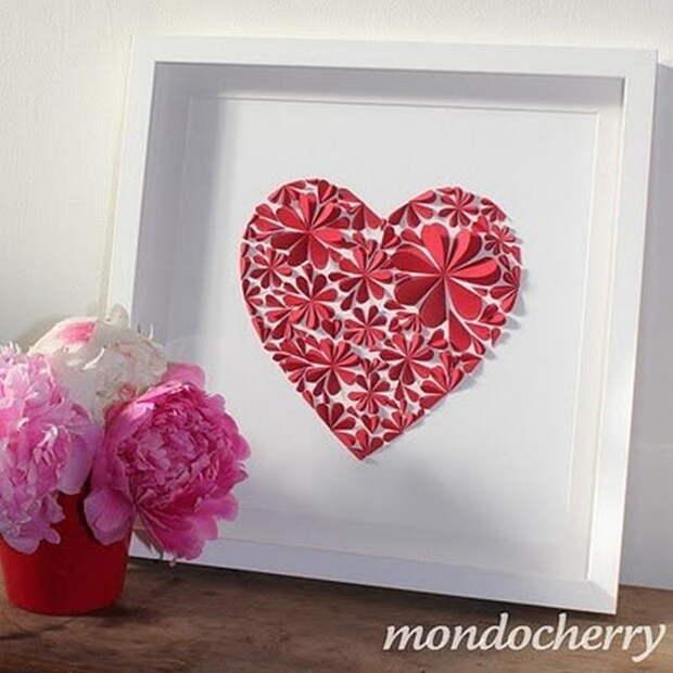 Картинка панно с аппликацией из сердечек