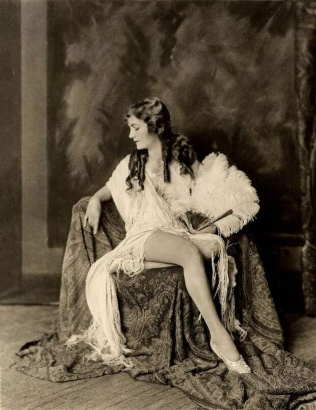Алиса Уилки. Работы Альфреда Чейни Джонстона (Alfred Cheney Johnston).