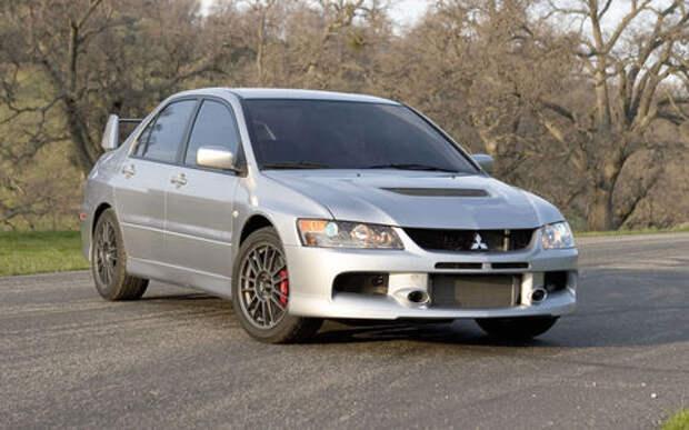 Владелец старого Mitsubishi Lancer Evo нашел в двигателе головку ключа