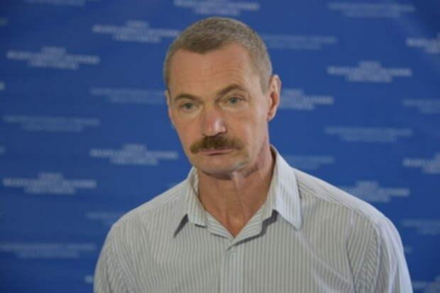 Мрак в севастопольских дворах: депутат Горелов остерегается унылого округа?