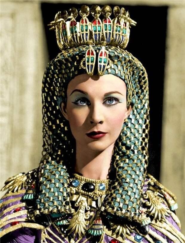 """Вивьен Ли в образе Клеопатры.  Фильм """"Цезарь и Клеопатра"""", 1945 года."""