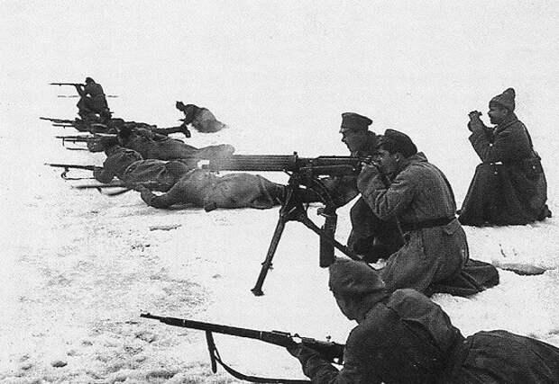 Кронштадтский мятеж: как Тухачевский подавил «третью» революцию в России