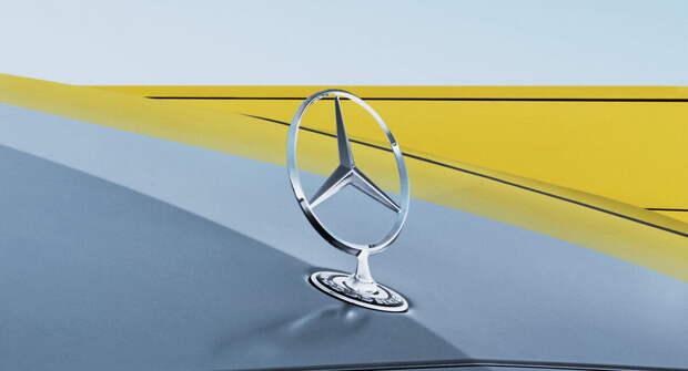 Mercedes E-Class лишится орнамента на капоте