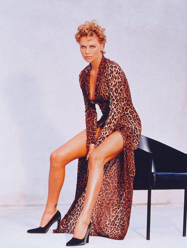 Шарлиз Терон (Charlize Theron) в фотосессии Ланса Стэдлера (Lance Staedler) (1997), фото 11