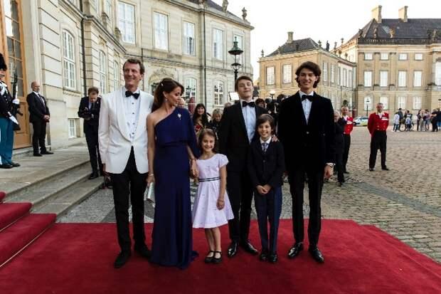 Принцу Датскому Хенрику 12 лет: новый портрет сына принца Иоахима и принцессы Мари и интересные факты