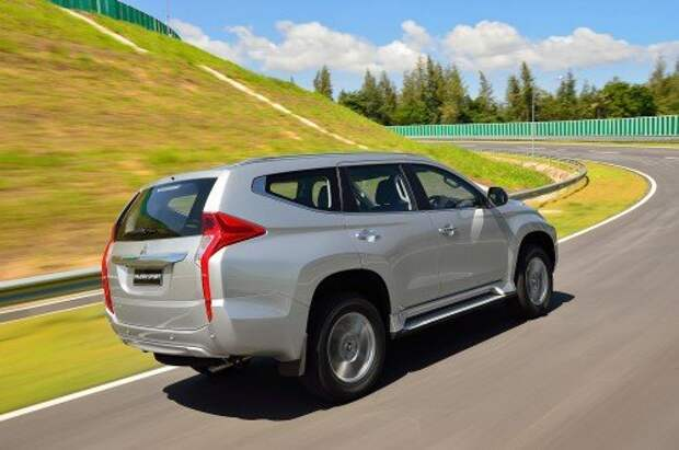 Новый Mitsubishi Pajero Sport заметно «поумнел»