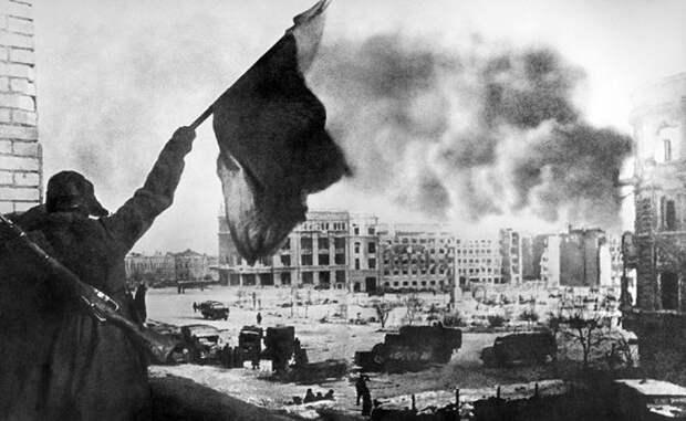 «Миф о Сталинграде помогает Путину держаться у власти»