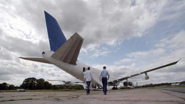 Упавший снеба: как африканец выжил, пролетев 9000 кмдоЛондона нашасси самолета