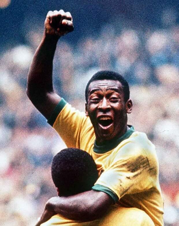 Легенда футбольного мира Пеле одержал свою третью победу в чемпионатах мира по футболу в качестве игрока.