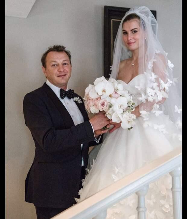 «Он начал меня душить»: Елизавета Шевыркова рассказала о браке с Маратом Башаровым