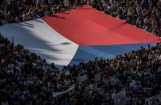 250 тысяч человек устроили протест в Праге