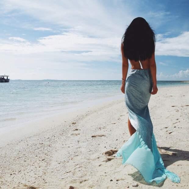 Юбка-хвост на море