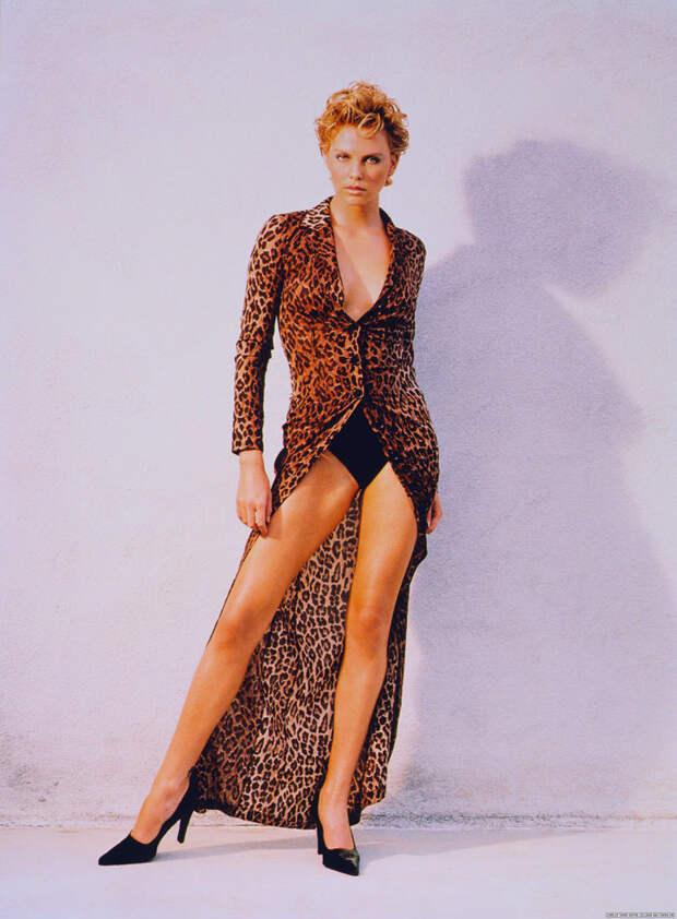 Шарлиз Терон (Charlize Theron) в фотосессии Ланса Стэдлера (Lance Staedler) (1997), фото 9