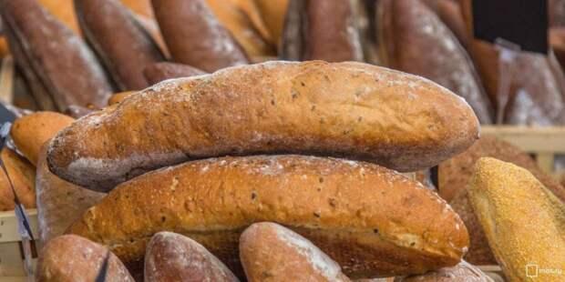 Собянин открыл новые линии по выпечке хлеба на комбинате «Черёмушки»