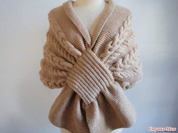 Ты можешь связать красивый шарф - накидку.