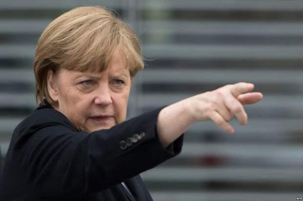 Стало известно, почему Меркель сказала Фейсбуку «ауфидерзейн»