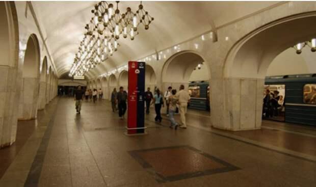 В Москве преступника задержали из-за отсутствия на нем перчаток в метро