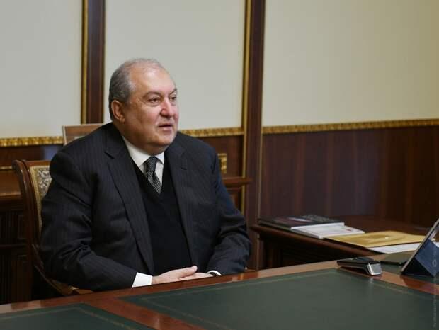 На президента Армении завели уголовное дело