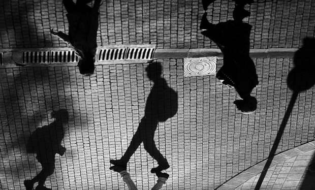Мастерская игра с тенями и силуэтами в работах молодого фотохудожника