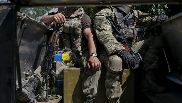 Солдаты ВСУ возле города Марьинка