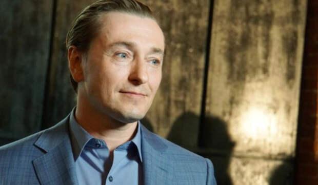 Дюжев рассказал, что Безруков перенес сердечный приступ на сцене