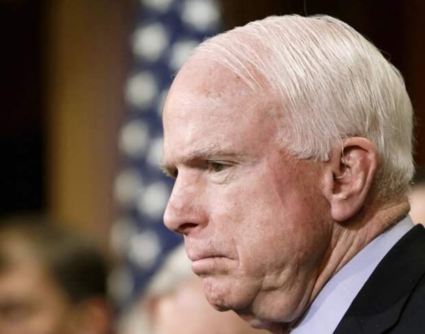 Рогозин о Маккейне: назло бабушке отморозит себе уши