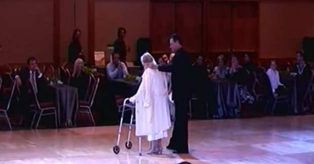 Старушка вышла к публике на ходунках, но, когда заиграла музыка, зрители ахнули от восторга!
