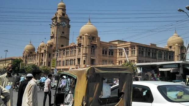 Посольство Франции рекомендовало соотечественникам выехать из Пакистана