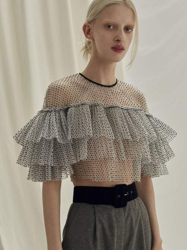Стиль романтизм в одежде: фасоны, цвета, базовый гардероб