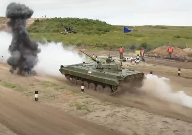Дмитрий Булгаков вручил россиянам Кубок победителей «Мастера автобронетанковой техники»