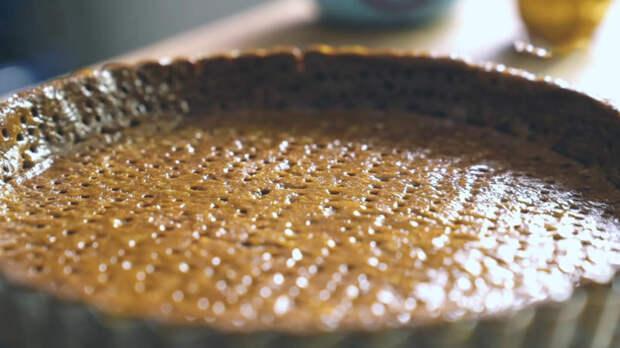 Изумрудный шоколадно-мятный пирог, похожий на коралловый риф