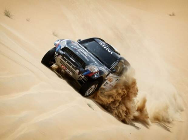 Ралли-рейды: россияне выиграли Abu Dhabi Desert Challenge