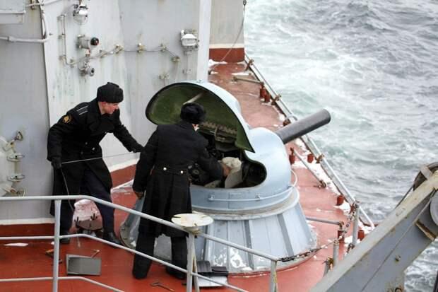 Avia.pro: самолеты США исчезли, когда боевой корабль РФ взял их на мушку