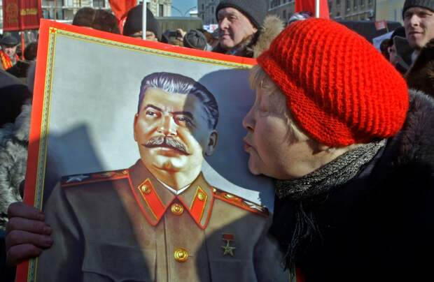 Сталинисты зря мечтают командовать расстрельным взводом
