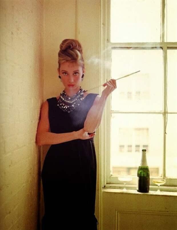 """Одри Хепбёрн. Фотосессия к фильму """"Завтрак у Тиффани"""". 1960 год."""
