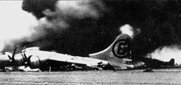 12 апреля — чёрный день авиации США