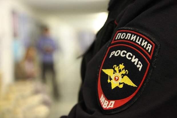 В Симферополе состоялся суд над избившей полицейского женщиной
