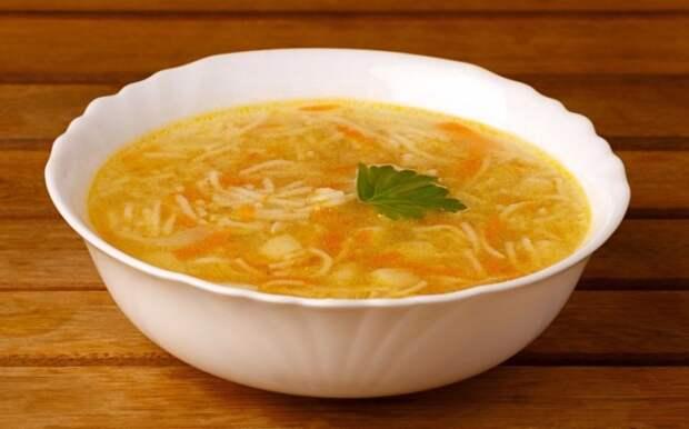 3 совета из СССР о том, как не дать вермишели разбухнуть в супе
