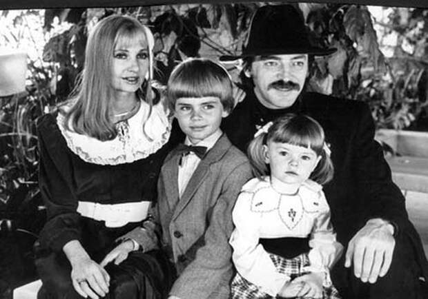 Михаил Боярский и Лариса Луппиан с детьми / Фото: www.mydim.ua