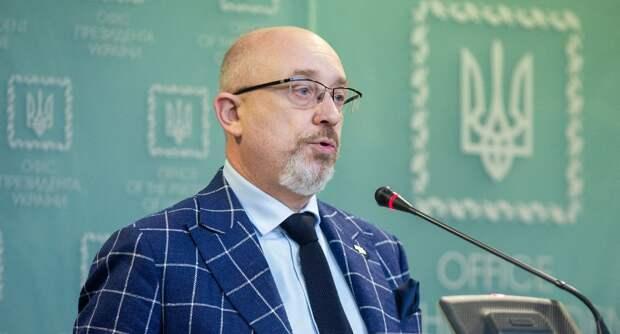 Украина угрожает «выдворить» россиян из Крыма
