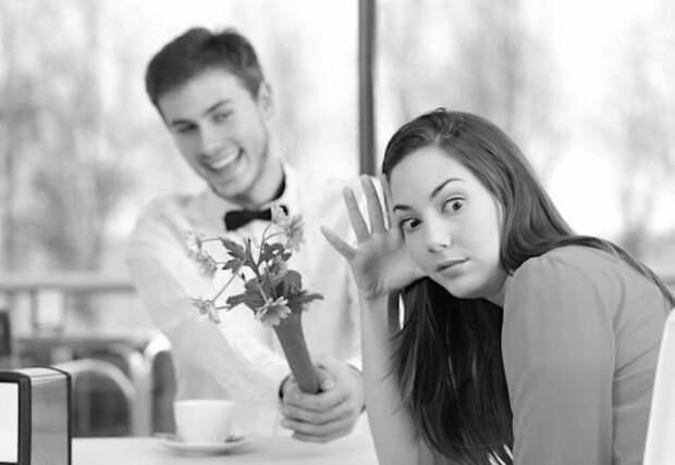 Если ваш мужчина произнёс хоть одну из этих 5 фраз — немедленно бегите