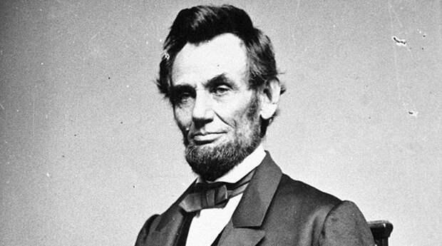 Авраам Линкольн — 16-й президент США и первый от Республиканской партии, освободитель американских рабов, национальный герой американского народа