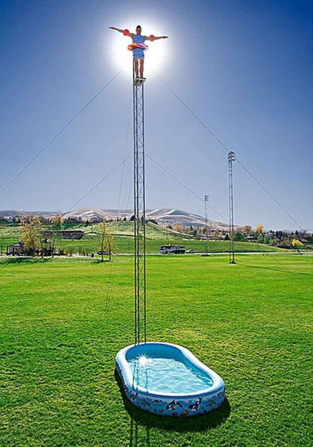 Американец Даррен Тейлор больше известен как Профессор Всплеск. Он заслужил признание своим умением нырять в надувные бассейны с высоты. В 2005 году он прыгнул с 10,3 метровой вышки в бассейн, глубина которого составляла лишь 30 сантиметров.