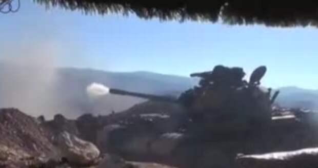 Танки и артиллерия Асада сжимают в кольцо последний форпост ИГИЛ
